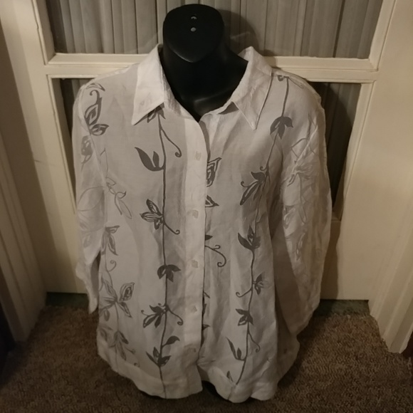j.h. Collectibles Tops - J.H.Collection Sheer Floral Blouse Top